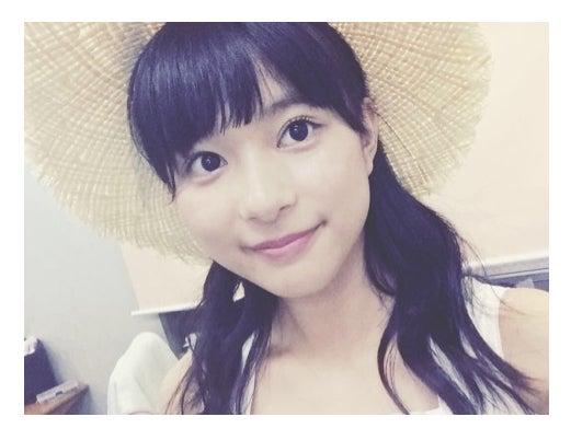 """""""前髪ドぱっつん""""の姿を披露した芳根京子/オフィシャルブログ(Ameba)より"""