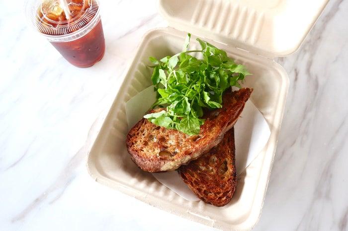 モッツァレラとセージバターのホットサンドイッチ/画像提供:bills japan