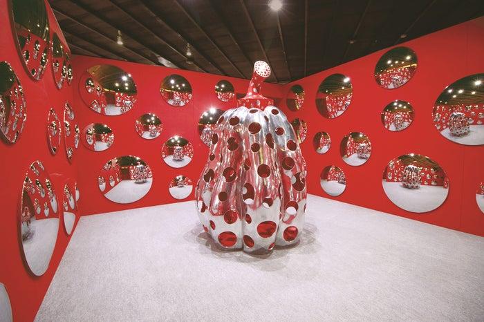 宇宙にとどけ、水玉かぼちゃ 2009年/画像提供:フォーエバー現代美術館 祇園・京都