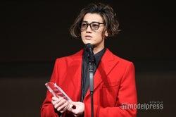 赤西仁「最も影響力あるアーティスト」に輝く 華麗なスピーチで沸かす<WEIBO Account Festival in Japan2018>