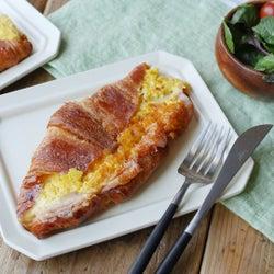 【まんぷくホットサンド部】「ハムチーズクロワッサンホットサンド」の作り方