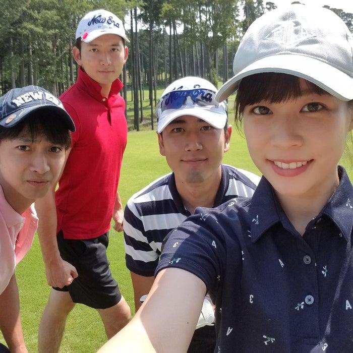 ゴルフを習っているので、アナウンス室のメンバーで時々コースにも出ます!スコアはまだまだ…(提供写真)