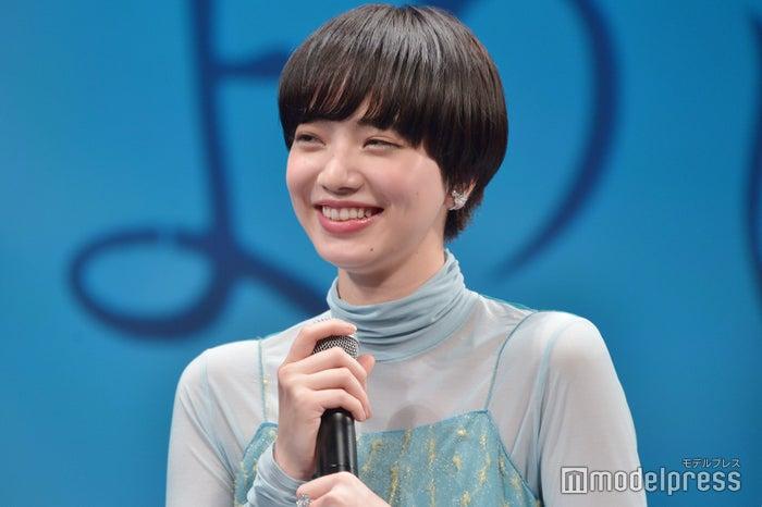 さらにショートヘアにイメチェンした小松菜奈さん (C)モデルプレス