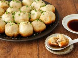 """フライパンで本格的な「焼き小籠包」が作れる! プロ顔負けのおいしさの秘密は""""ひき肉の選び方""""にアリ"""