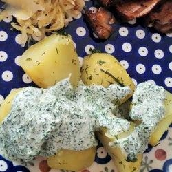 簡単だけどオシャレなおもてなし料理に♡ハーブを使ったソースのレシピ
