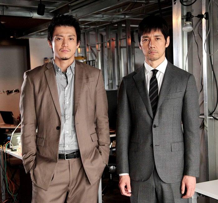 「CRISIS 公安機動捜査隊特捜班(仮題)」で共演する小栗旬と西島秀俊(C)カンテレ