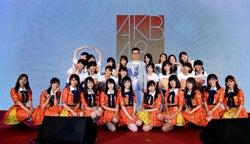 お披露目イベントの様子/AKB48 Team TP成員與營運公司總經理陳子鴻合照(C)AKB48 Team TP
