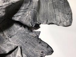 「コイ」19年春夏 北海道で駆除されたエゾシカ革バッグ