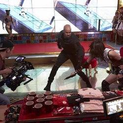 シェマー・ムーアが本音をポロリ!『S.W.A.T.』東京ロケのメイキング映像が日本独占初公開