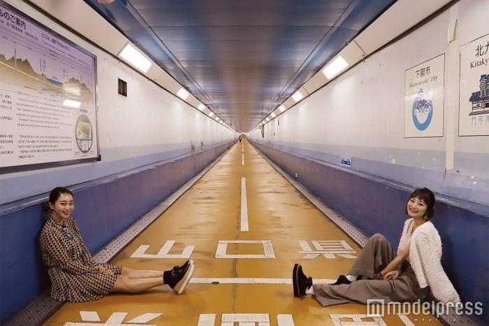 全長780mのトンネルの奥行きを活かして記念写真をパチリ(C)モデルプレス