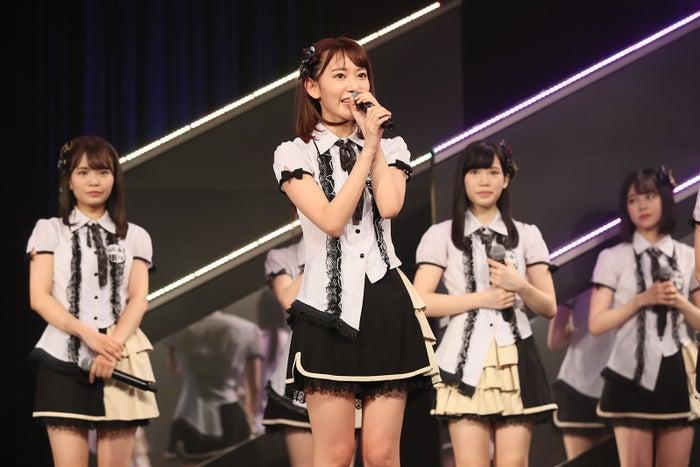 宮脇咲良/HKT48劇場の様子(C)AKS