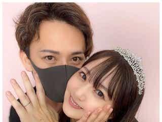 浜田翔子&YouTuberカブキン、バックハグで結婚指輪披露「迷ってたら月1で買えばいいって言われました」