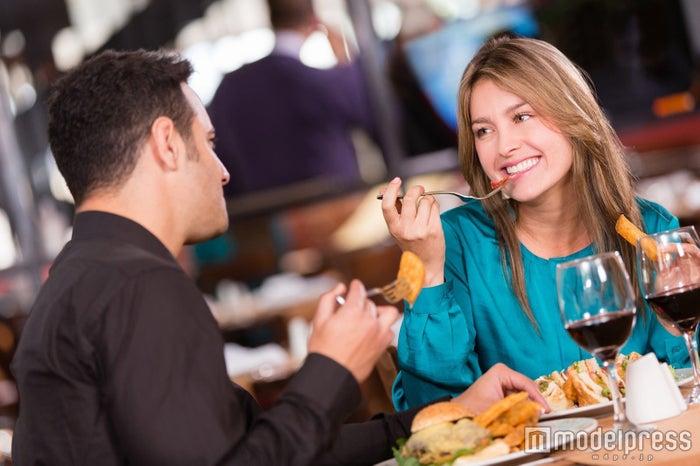 """知っておきたい""""食べ終わりのテーブルマナー""""5選 好印象彼女になろ!(Photo by Andres Rodriguez/Fotolia)"""