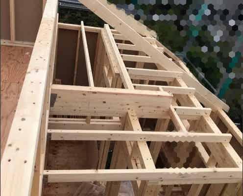 ANZEN漫才・あらぽんの妻、夫と建築中の新居の上棟会へ「住みやすい家になるように」