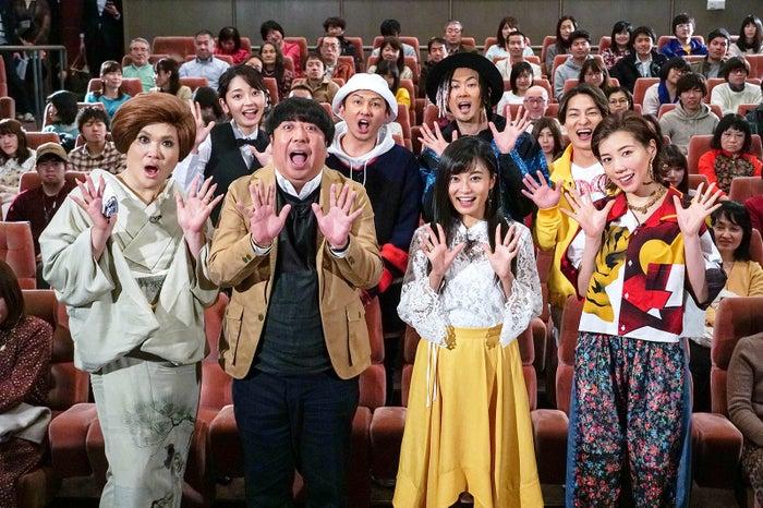 (前列左から)IKKO、日村勇紀、小島瑠璃子、仲里依紗(後列左から)竹崎由佳アナ、ISSA、TOMO、DAICHI (C)テレビ東京