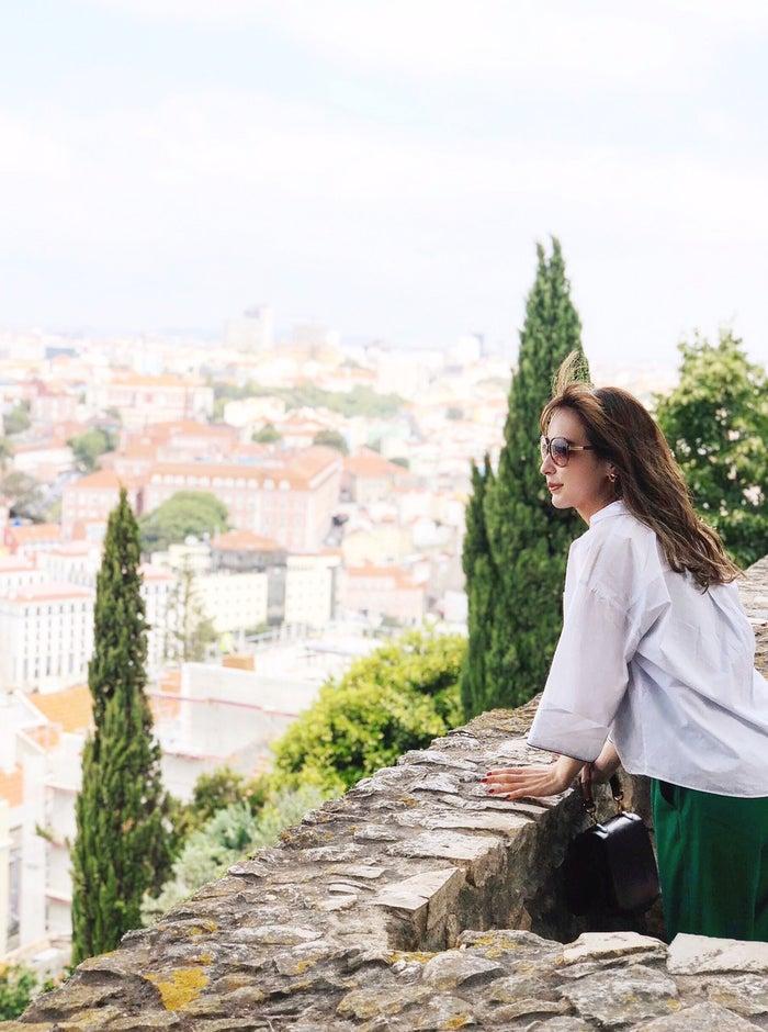 サン・ジョルジェ城から街を見渡す (提供画像)