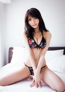 似鳥沙也加(C)桑島智輝/ヤングマガジン