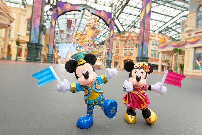 """東京ディズニーリゾート35th""""Happiest Celebration!""""グランドフィナーレのグッズ (C)Disney"""