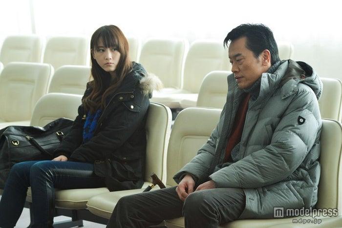 遠藤憲一&松井玲奈ダブル主演映画「gift」のワンシーン