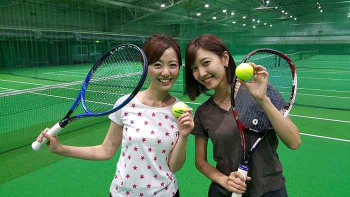 運動不足解消に小澤陽子アナとテニスにチャレンジ!生まれて初めてのテニス、とても楽しかったです!次の日からしばらく筋肉痛に悩まされました…(笑)/内田嶺衣奈アナウンサー(提供写真)