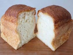 モチモチ超えの新食感な「食パン」に感嘆…! パンの革命児が手掛ける新ベーカリーが新宿デパ地下で話題