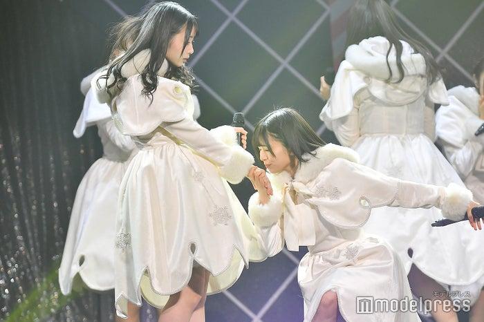 柿崎芽実、松田好花/「けやき坂46 ひらがなくりすます2018」(C)モデルプレス
