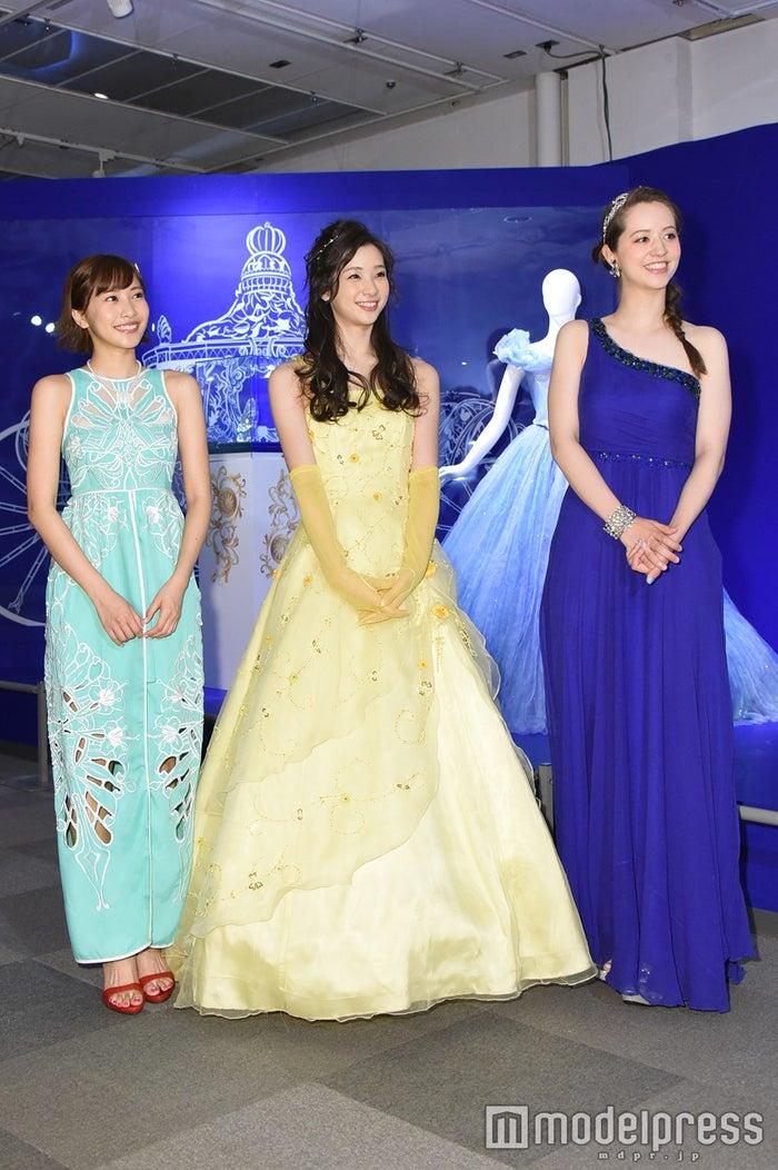 (左から)佐野ひなこ、足立梨花、春香クリスティーン(C)モデルプレス