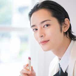 """モデルプレス - 塩野瑛久、キスストーリーで7変化 """"非現実的な美しさ""""で起用"""
