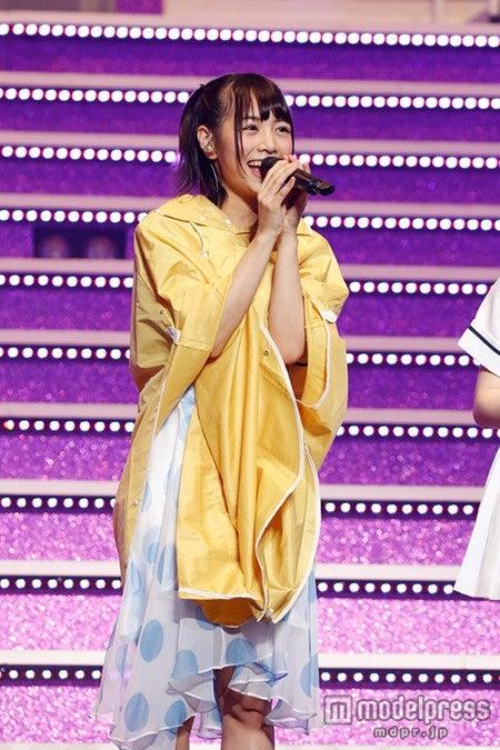 笑顔で抱負を語る、北野日奈子