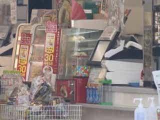 男が現金奪い逃走 杉並区でコンビニ強盗