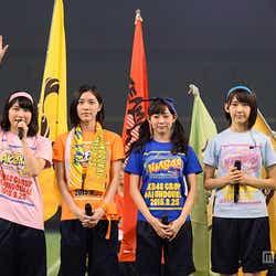 選手宣誓を行った(左から)横山由依、松井珠理奈、渡辺美優紀、宮脇咲良/「第1回AKB48グループ対抗 大運動会」(C)AKS