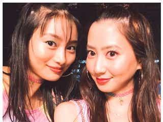 河北麻友子&忽那汐里、双子コーデでアリアナライブ参戦?可愛すぎる2ショット