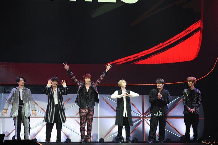 (左から)松村北斗、高地優吾、ジェシー、京本大我、森本慎太郎、田中樹(提供:YouTube)