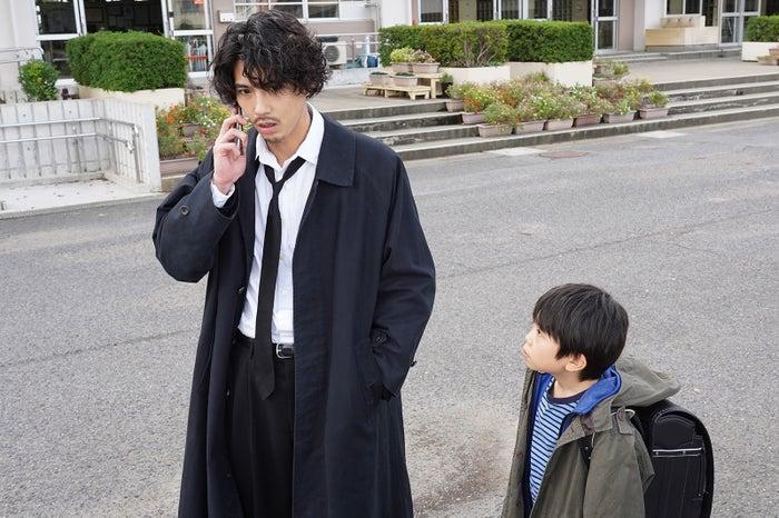 賀来賢人、碓氷克喜(C)日本テレビ