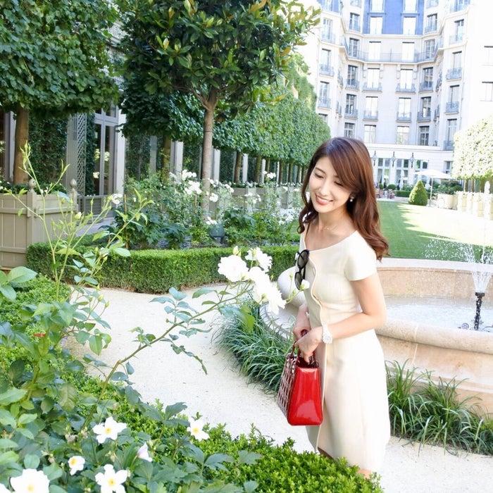 """別名""""花の都""""とも称されるだけあり風景を彩る花があちこちで咲く (提供画像)"""