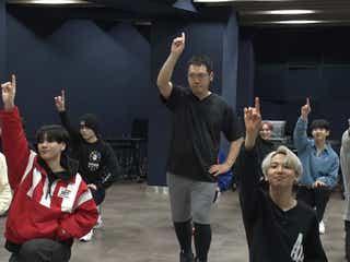 """JO1、神田伯山とダンスコラボ """"スターダンス""""を本気披露"""