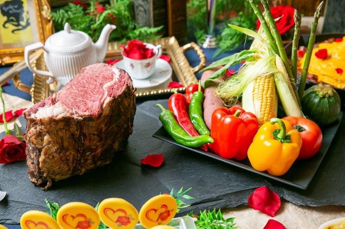 夏野菜の彩りサラダ/画像提供:ストリングスホテル 名古屋 PR事務局