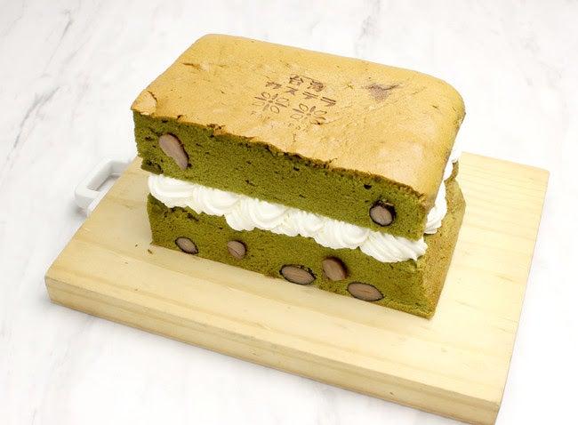 台湾カステラ 《抹茶黒豆 生クリーム サンド》¥1,130/画像提供:LIFEstyle