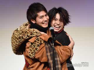 GENERATIONS片寄涼太&鈴木勝大が密着ハグ 男性キャスト陣の胸キュン再現に会場興奮