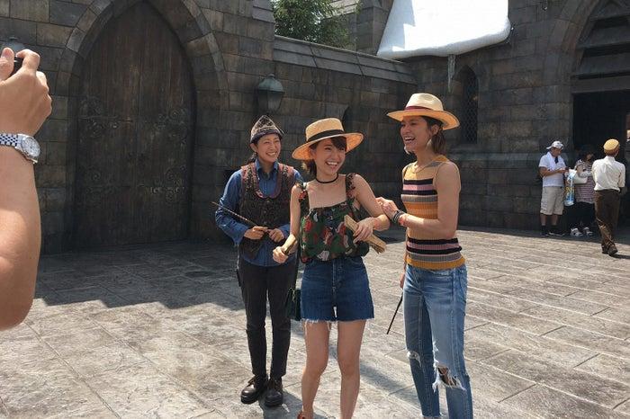 (左から)大島優子、秋元才加/画像提供:TBS