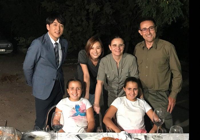 米倉涼子がスペインでホームステイ(C)TBS