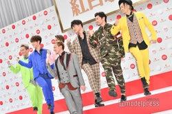 DA PUMP(前中央)ISSA(後列左から)KIMI、YORI、DAICHI、KENZO、U-YEAH、TOMO(C)モデルプレス