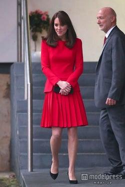 英キャサリン妃、3年前のワンピを着まわし