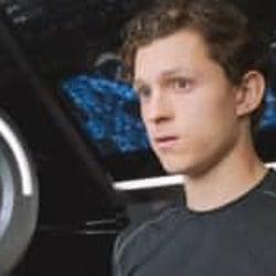 トム・ホランド『スパイダーマン』ロバート・ダウニー・Jrに敬意を表したシーン