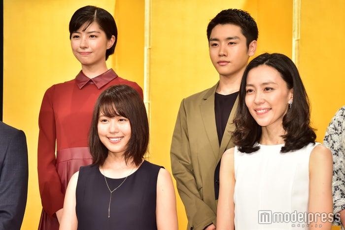 平成29年度前期連続テレビ小説「ひよっこ」に出演(後列左)