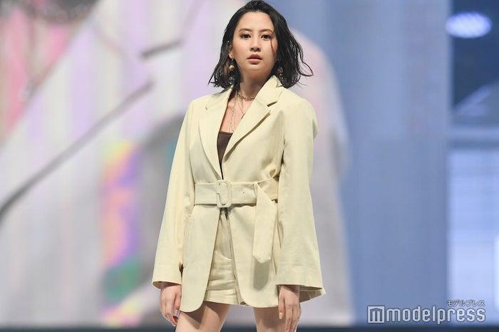 「神戸コレクション2019 SPRING/SUMMER -ガールズフェスティバル-」に出演した河北麻友子(C)モデルプレス
