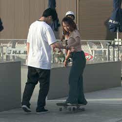 流佳、莉咲子「TERRACE HOUSE TOKYO 2019-2020」8th WEEK(C)フジテレビ/イースト・エンタテインメント