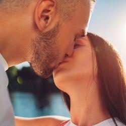 男性を夢中にさせるキス術とは?