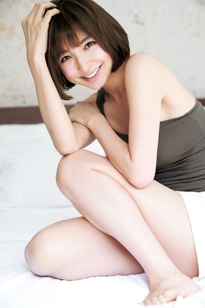 篠田麻里子(C)Takeo Dec./集英社