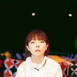 aiko、アルバム『どうしたって伝えられないから』より新曲「磁石」のMVを公開